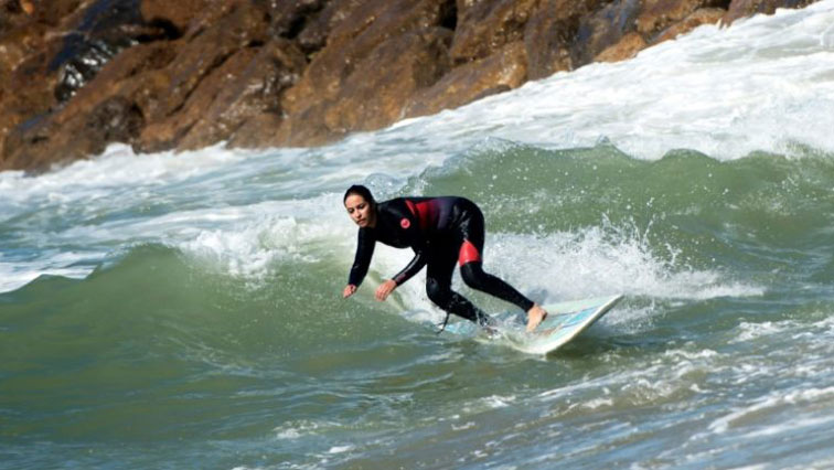Morocco S Women Surfers Ride Out Waves And Harassment Sabc