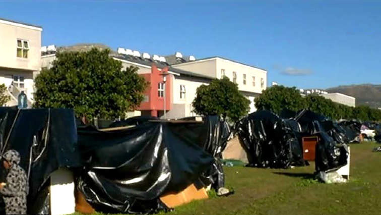 Evicted Cape Town families cry for help - SABC News