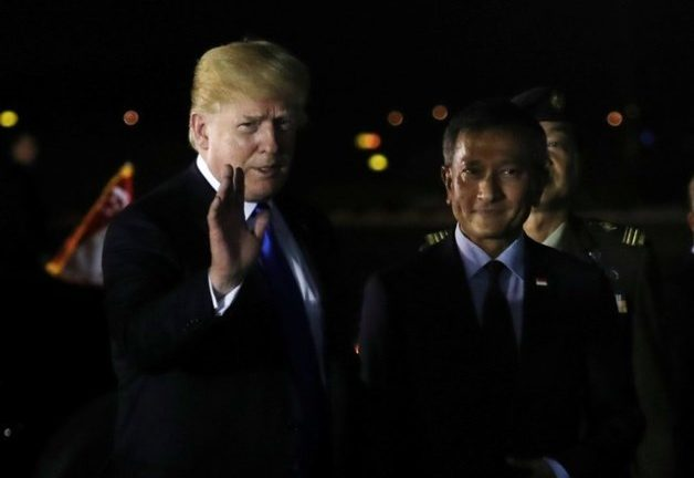 US President Donald Trump with Singapore's Foreign Minister Vivian Balakrishnan