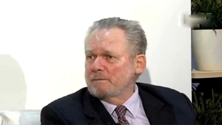 Minister Rob Davies