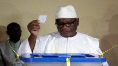 Ibrahim Boubacar Keita casting his vote