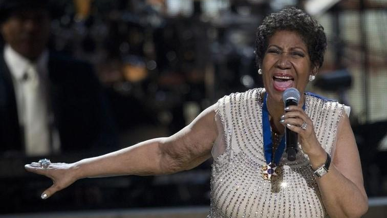 Aretha Franklin performing
