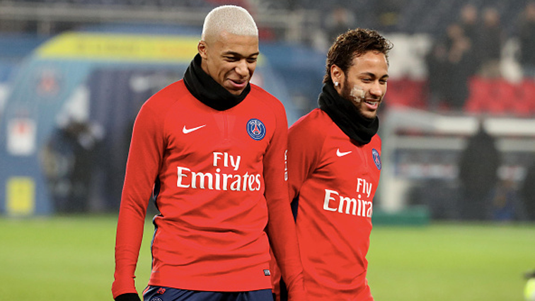 Mbappe on the field with Neymar