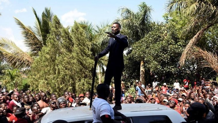 Robert Kyagulanyi addressing his supporters