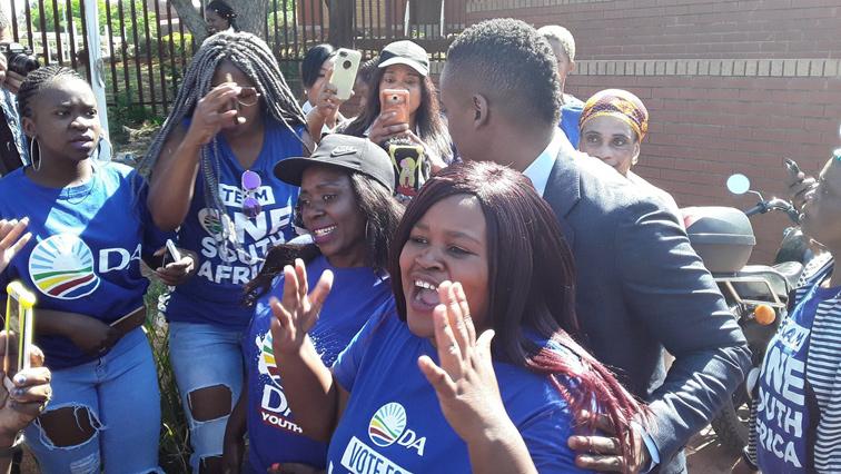 DA supporters and Duduzane Zuma.