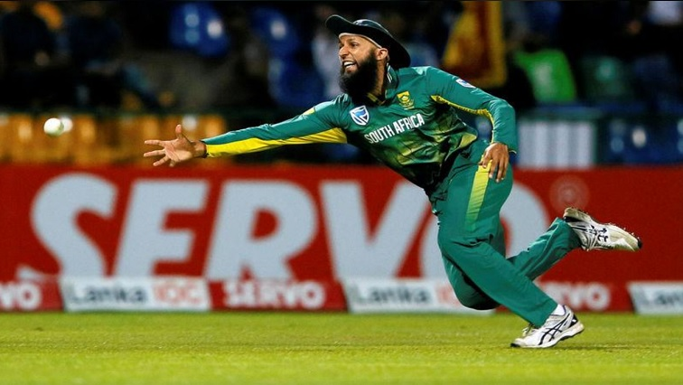 South Africa's Hashim Amla fails to take a catch.