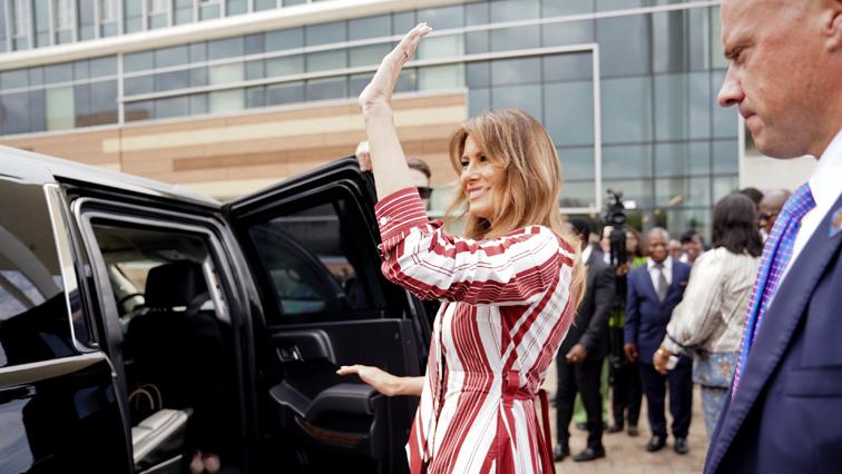 Melania Trump waving at the airport