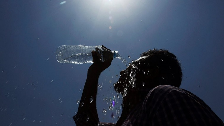 Senior Weather Forecaster, Henning Grobler, says the heatwave is expected to clear up on Tuesday.