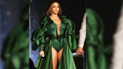 Beyonce ina green dress