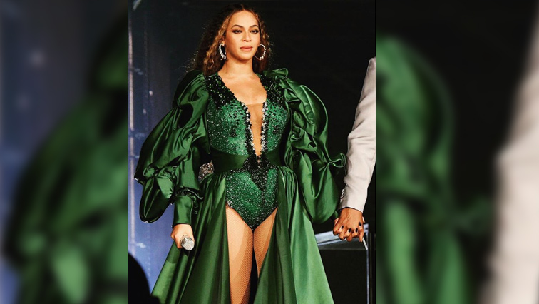 Beyonce ina green dress