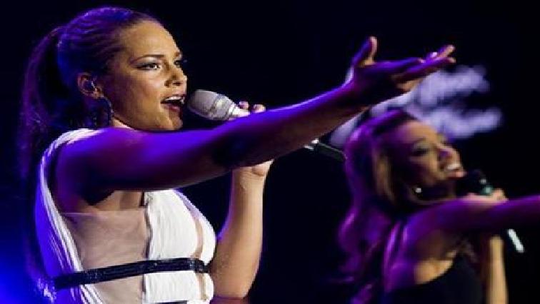 Alicia Keys performing.