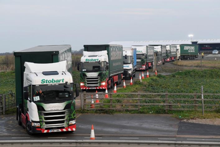 UK stages mass truck trip to Dover to 'war game' no-deal