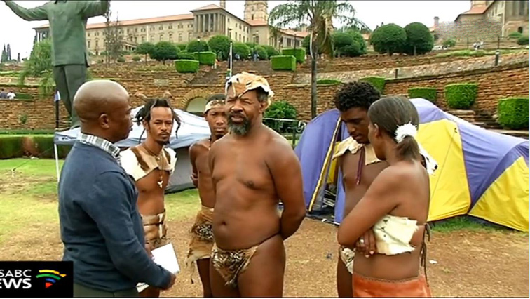 Khoisans outside Union and Buildings