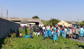 SABC News Clean2 Chumani Mazwi 287x169 - Amahlathi residents embark on cleanup campaign