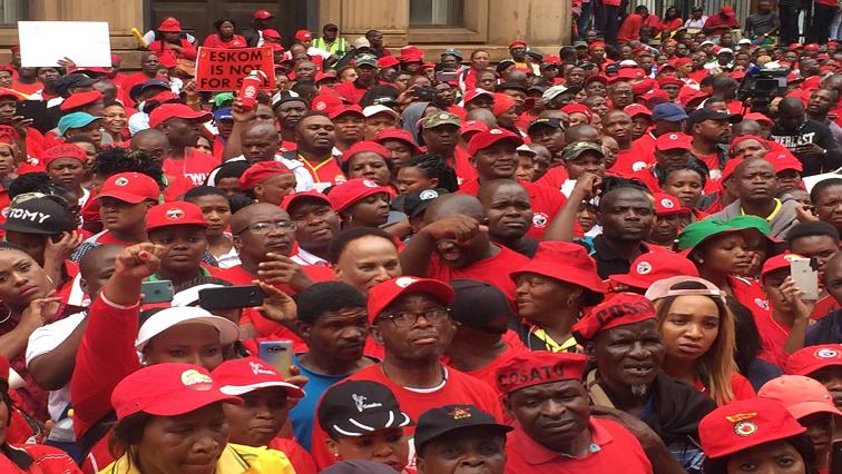 SABC News Cosatu strike Twitter @ cosatu - Cosatu gives President Ramaphosa five days to respond to its grievances