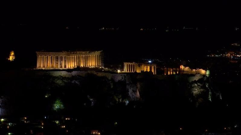 Global landmarks go dark for Earth Hour