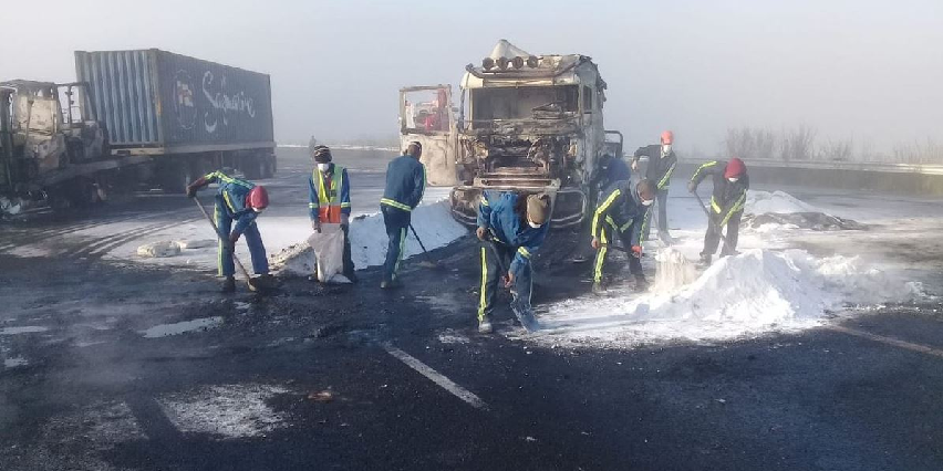 SABC News trucks on fire KZN @TrafficSA - KZN protesters burn seven trucks on the N3