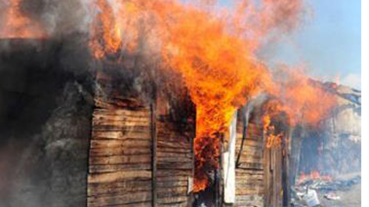 SABC News shacks fire - Rescue efforts underway in Alexandra after shacks fire