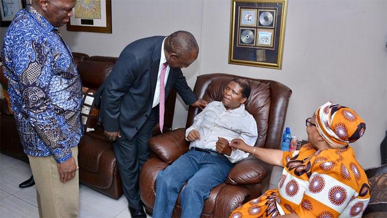 SABC News @myanc ramaphosa visists Shabalala - Ramaphosa emphasises importance of honouring living legends