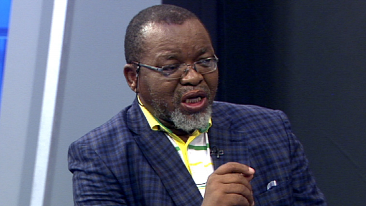 SABC News Gwede Mantashe - Mantashe condemns attack on police officer, allegedly by foreign nationals