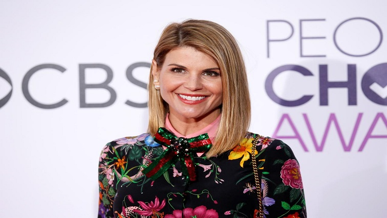 SABC News Lori Loughlin R - Lori Loughlin pleads not guilty in college admissions case