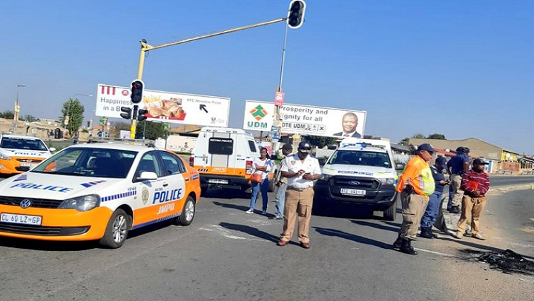 SABC News Meadowlands Twitter @AskTheChiefJMPD  - Heavy police presence in Meadowlands amid protests