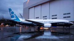 737 Max jet