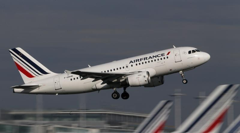 SABC News AirFrance Reuters - Air France-KLM losses deepen under higher fuel costs, competition