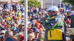Cyril Ramaphosa addressing a crown