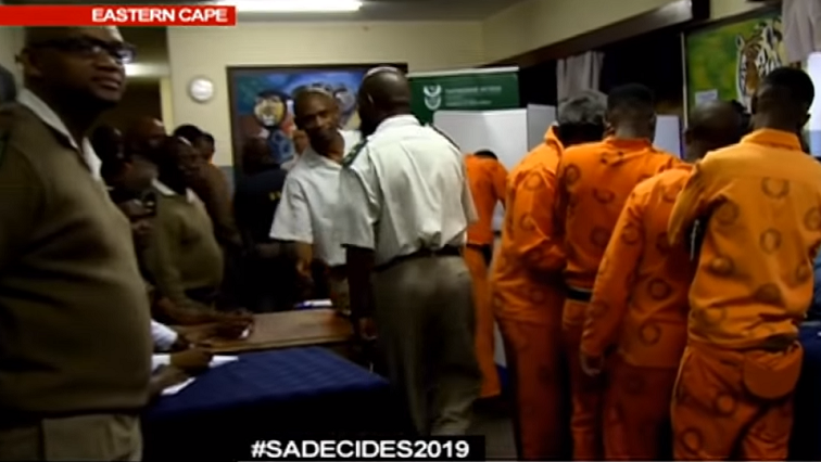 SABC News Inamtes vote - Inmates cast their vote
