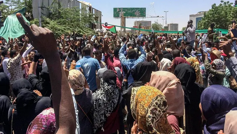 Sudan army rulers, protesters agree on 3-year transition period - SABC News - Breaking news, special reports, world, business, sport coverage of all South African current events. Africa's news leader.