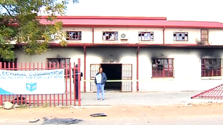 SABC News torched clinic in Free State - Case against Viljoenskroon residents postponed