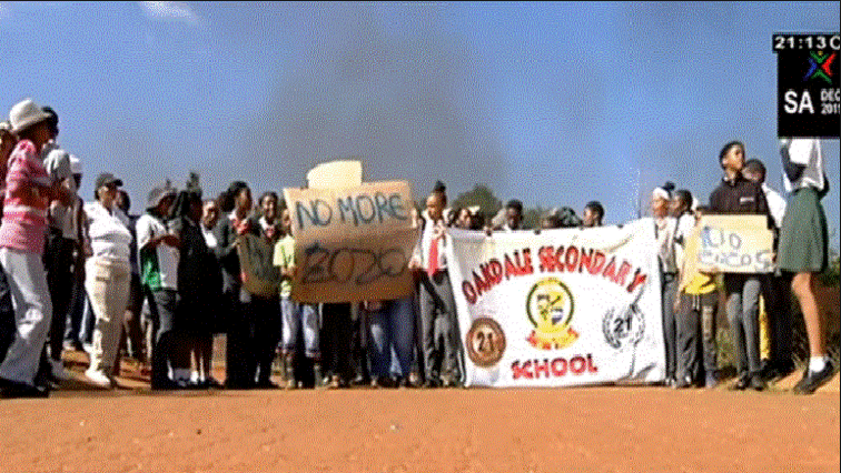 SABC News School protests - Schooling disrupted in Alice for conductive learning