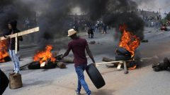 Protesters burning tyres