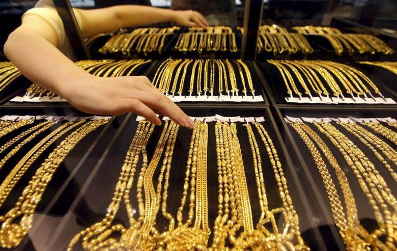 SABC News Gold Reuters - Gold prices surge as global tensions intensify