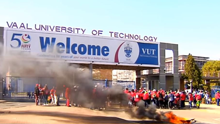 SABC News VUT Strike 1 - Nehawu vows to continue with the strike at VUT