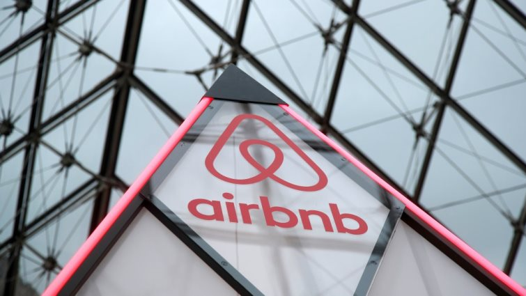 SABC News Airbnb Paris Reuters 1 - Airbnb cedes to EU pressure on price offers