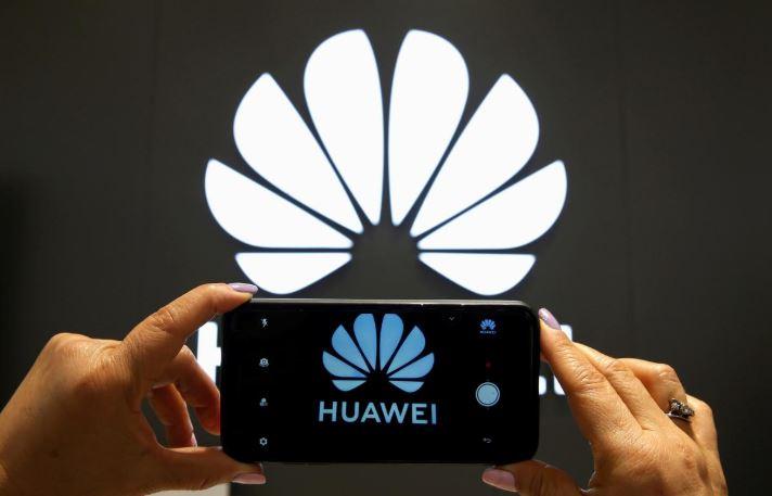 SABC News Huawei R 5 - Huawei market share rises to 38% as China smartphone market declines