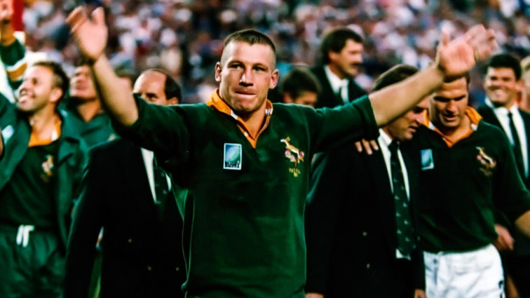 SABC News James Small SARU 1 1 - Rugby legend James Small laid to rest