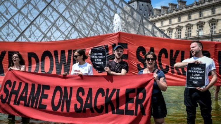 SABC News Louvre Sackler AFP - Protesters urge Louvre to cut ties with donor over opioid crisis