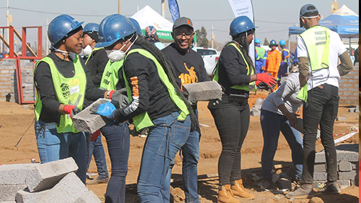 SABC News MD Sello - Ekurhuleni's Palm Ridge community benefits from Mandela Day