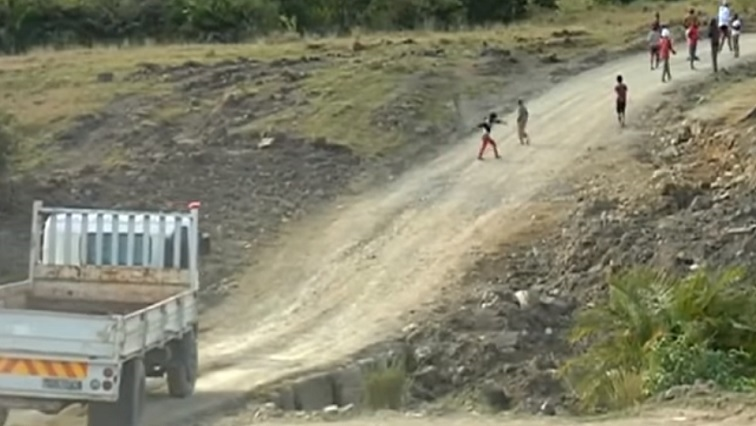 SABC News Roads - SA's gravel, paved roads will cost an estimated R400 billion