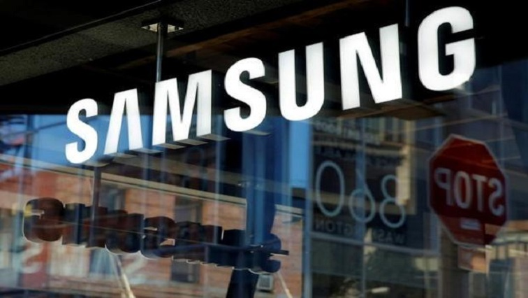 SABC News Samsung Reuters - (M)Samsung expects operating profit to tumble 56%