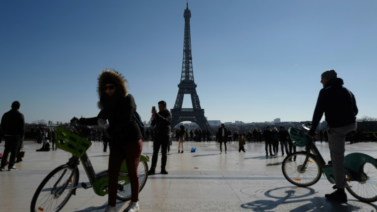 SABC News Two wheel AFP - In Paris, cars forced to make way for the two-wheel revolution