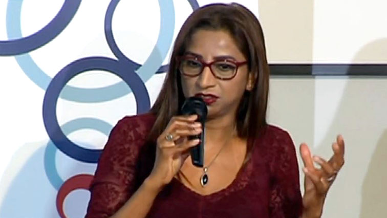 SABC News Glenda daniels - Wits professor criticises use of social media in journalism
