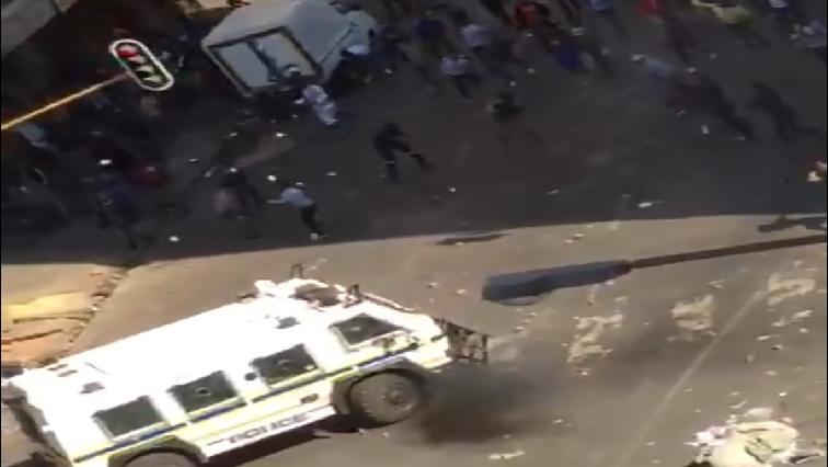 SABC News JHB CBD protests Twitter @Maglotunka - Mashaba expresses deep sadness over Joburg CBD chaos