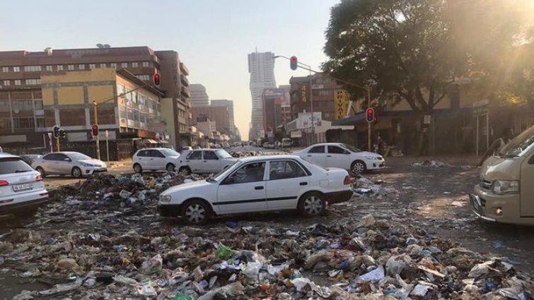SABC News Pretoria street strike twitter @RamoreiKoketso 1 - Tshwane strike costs the City hundreds of millions