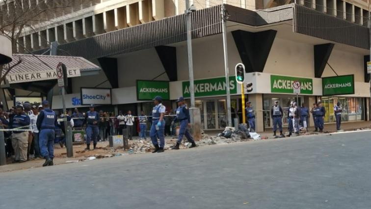 SABC News Raid 3.jpg okuhle - Crackdown on counterfeit goods to continue around Johannesburg