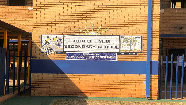 SABC News Thuto Lesedi Secondary School Twitter @ThabileStella - Parents want principal and SGB removed after pupil raped at Gauteng school