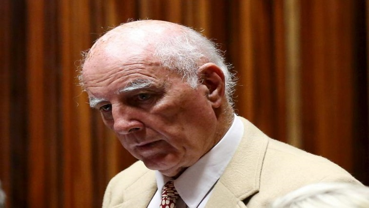 Bob Hewitt edit - Justice Minister calls for review of Parole Board's decision on Hewitt